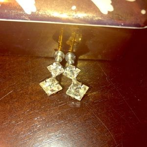 Jewelry - Vintage crystal screw back earrings